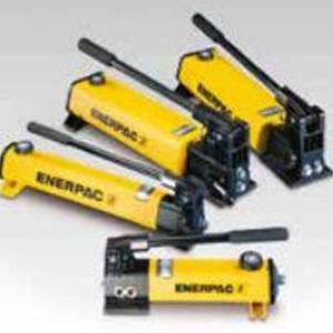 Kompozytowe hydrauliczne pompy ręczne firmy ENERPAC